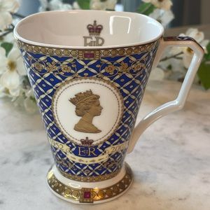 Coffee/Tea cup Queen Elizabeth II.